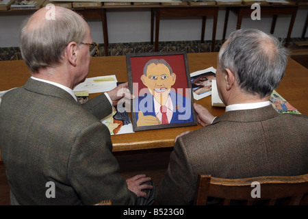 Pic James Vellacott Gilbert and George with the Winner by Harry Pye of the Daily Mirror Tony Blair art competition - Stock Photo
