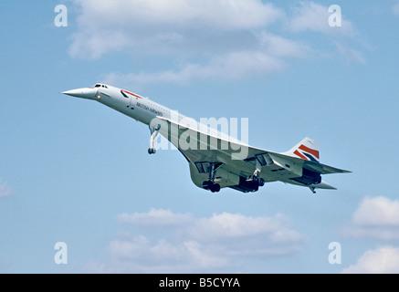 British Airways Aerospatiale Concorde landing at London Heathrow airport - Stock Photo