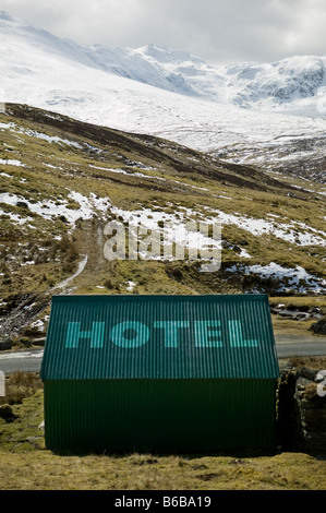 Rustic hotel in wilderness - Stockfoto