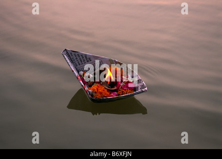 india, allahabad, sangam, floating offerings at the confluence of the rivers ganges and yamuna - Stock Photo
