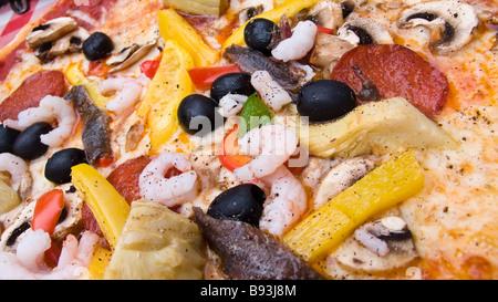 Capricciosa pizza close up - Stockfoto