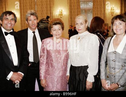Left to right producer Barri Alibasov American actor Richard Gere Naina Yeltsin and actress Lidia Fedoseyeva Shukshina - Stock Photo
