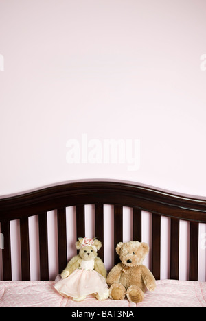 baby crib with teddy bears - Stockfoto