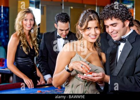 caesars palace online casino free spin game