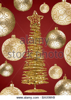 Golden christmas tree ornament stockfoto lizenzfreies for Small gold christmas ornaments