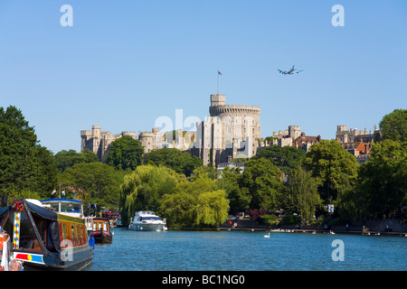 how to get from heathrow to windsor castle