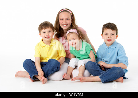 Group Of Young Children In Studio - Stockfoto