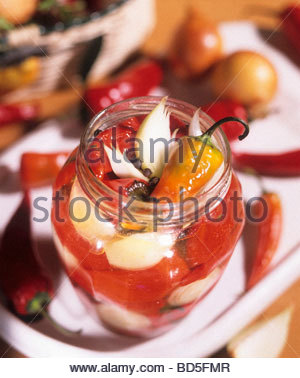 Pickled peppers and onions - Stockfoto
