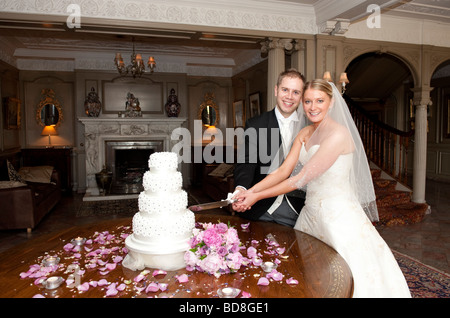 tradition behind wedding cake cutting customs marriage wedding stock photo royalty free image 21221