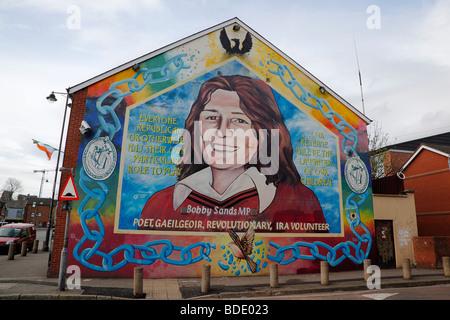 Sinn fein headquarters on the falls road in belfast for Bobby sands mural falls road
