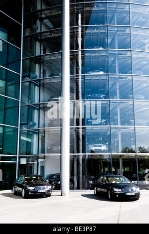 glass manufactory automobile factory for the vw phaeton car stock photo royalty free image. Black Bedroom Furniture Sets. Home Design Ideas