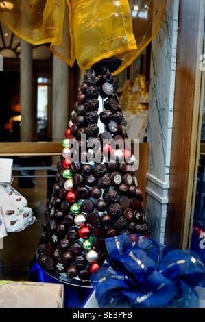 Paris, France, French Chocolates Shop Window, 'Debauve et Gallais', sweets, Detail 'Piece Monté' - Stock Photo