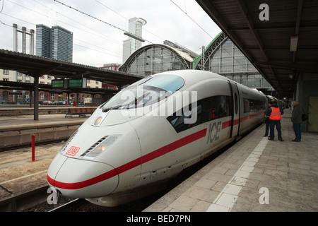 InterCityExpress train, ICE in Frankfurt's central train station, Frankfurt/Main, Hesse, Germany, Europe - Stock Photo