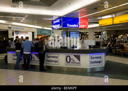 Bureau de change office operated by travelex at milan linate airport stock photo royalty free - Bureau de change paris 7 ...
