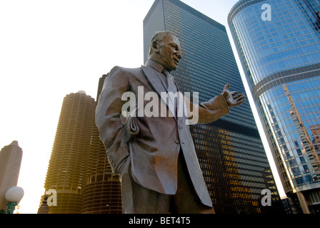 Bronze statue of legendary Chicago Sun-Times columnist Irv Kupcinet near the Chicago River in Chicago, Illinois, - Stock Photo