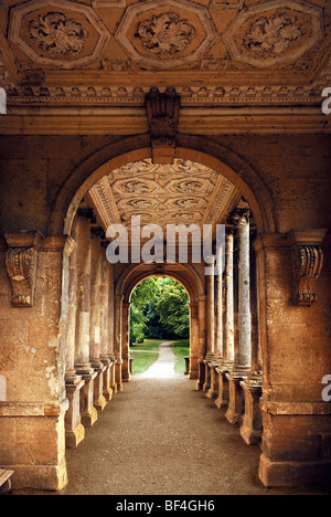 Palladin bridge palladian bridge 18th century stowe for Garden design 18th century