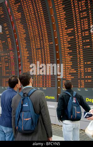 Paris charles de gaulle airport terminal 2e france terminal stock photo 67083975 alamy - Bureau de change roissy charles de gaulle ...
