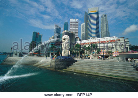 MAK 64491 : Merlion at Marina Bay ; Raffles Place ; Singapore South East Asia - Stock Photo