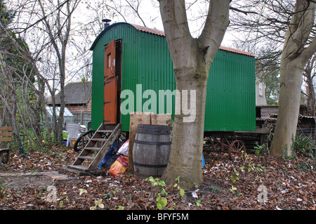 A shepherd`s hut, Yarnton, Oxfordshire, England, UK - Stock Photo