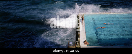 Swimmers in Bondi Icebergs pool, Sydney, New South Wales, Australia, Pacific - Stockfoto