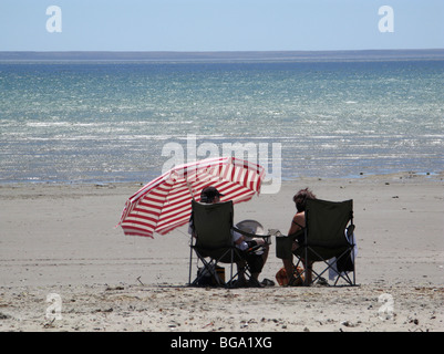 on the beach in Puerto Madryn, low tide, relax on the beach - Stockfoto