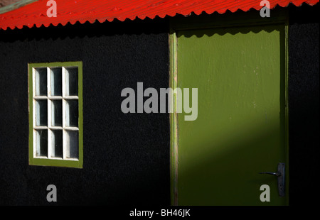 Colourful shed of fishermans hut in Pennan. - Stockfoto