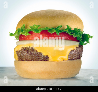 Cheeseburger with tomato - Stock Photo