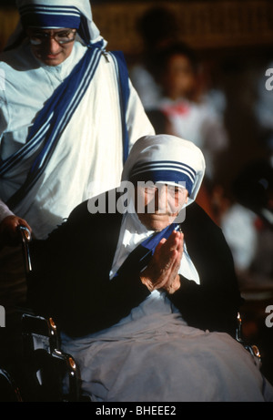 Mother Teresa, founder of the Missionaries of Charity receives the Congressional Gold Medal - Stockfoto