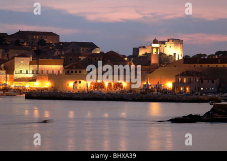 Dubrovnik harbour at twilight , Dominican Monastery , Old City of Dubrovnik, Croatia, Europe,  - Stockfoto