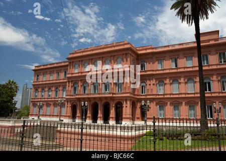 Presidential pink house casa rosada buenos aires for Piani di casa porte cochere