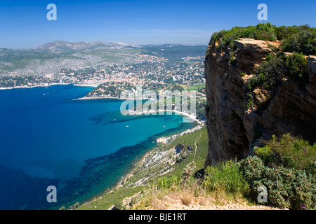 Cassis, Provence, France. View over the Mediterranean coast from Cap Canaille. - Stock Photo