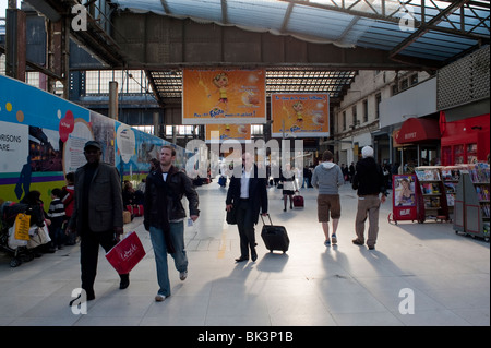 Paris, France, People 'catching trains' in 'Gare d'Austerlitz' Train Station, - Stock Photo