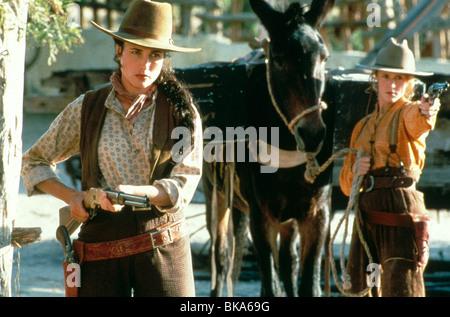 BAD GIRLS (1994) ANDIE MACDOWELL, MARY STUART MASTERSON BDGS 005 - Stock Photo
