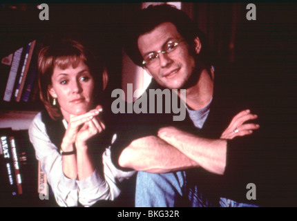 BED OF ROSES (1996) MARY STUART MASTERSON, CHRISTIAN SLATER BDRO 006 MOVIESTORE COLECTION LTD - Stock Photo