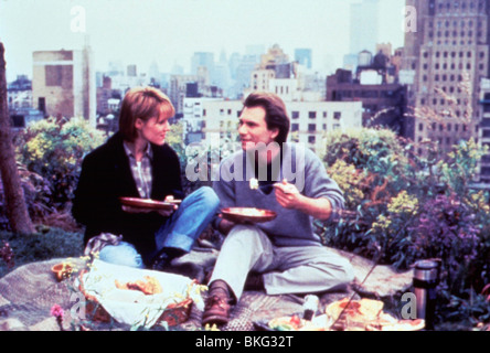 BED OF ROSES (1996) MARY STUART MASTERSON, CHRISTIAN SLATER BDRO 007 - Stock Photo