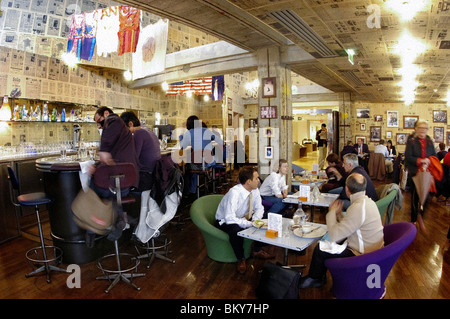 Paris, France, Adults Eating Lunch in Trendy Paris Bistro Bar, Top Of Printmeps Department Store, 'The World Bar' - Stock Photo