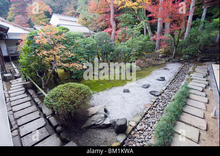 Dating in Kyoto - Doulike