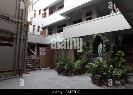 The inner courtyard at Mother House, where Mother Teresa used to live in Kolkata, formerly called Calcutta in West - Stockfoto