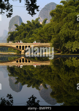 Rural landscape of Yangshuo town outskirts, Guangxi Province, Guilin area, China - Stockfoto