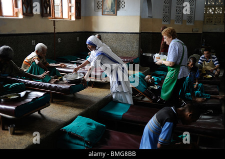 India Kolkata Calcutta, Nirmal Hriday - pure hearts- hospiz house for the dying at Kali temple , founded by Mother - Stockfoto