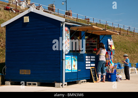 Cafe and gift shop on the promenade at Southwold Suffolk - Stockfoto