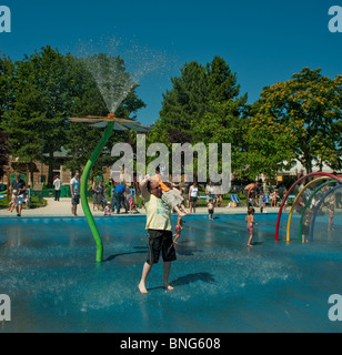Summer heatwave and the public swimming pool or lido in for Public pools in paris france