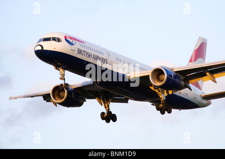 Boeing 757 operated by British Airways on approach for landing at London Heathrow Airport, UK. - Stock Photo