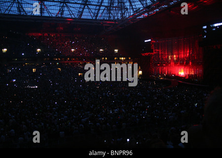 u2 concert amsterdam arena jul 13 2005 stock photo royalty free image 30619332 alamy. Black Bedroom Furniture Sets. Home Design Ideas