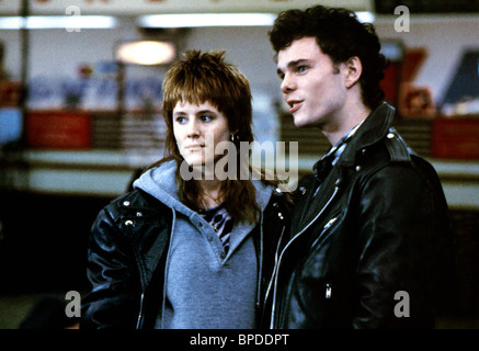 MARY STUART MASTERSON & KEVIN DILLON IMMEDIATE FAMILY (1989) - Stock Photo