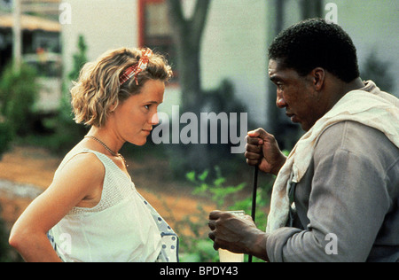 MARY STUART MASTERSON & STAN SHAW FRIED GREEN TOMATOES AT THE WHISTLE STOP CAFE (1991) - Stock Photo