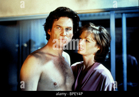 JEFF BRIDGES & SUZY AMIS BLOWN AWAY (1994) - Stock Photo