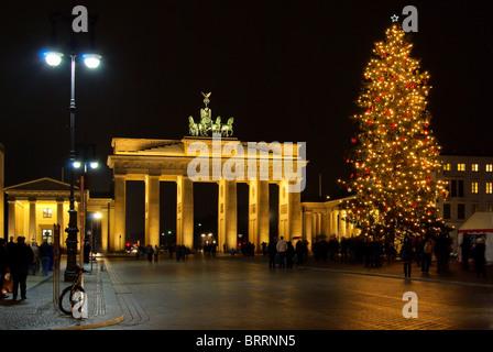 berlin brandenburger tor christmas illumination. Black Bedroom Furniture Sets. Home Design Ideas