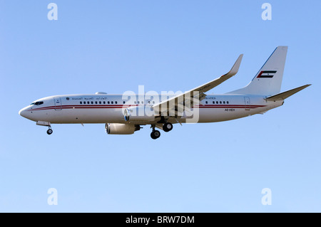Boeing 737 operated by the United Arab Emirates (Dubai Air Wing) on approach for landing at London Farnborough Airport - Stock Photo