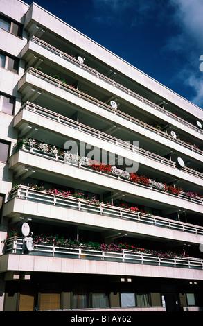 former east german berlin apartment block germany stock photo royalty free image 15268359 alamy. Black Bedroom Furniture Sets. Home Design Ideas